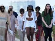 Bà Obama  gây sốt  khi mặc bikini đi nghỉ đông
