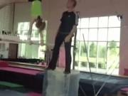 Tai nạn hài hước trong lúc tập thể dục