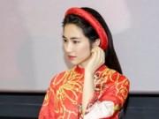 Hoà Minzy tủi thân vì đi hát 4 năm vẫn chật vật, thất bại