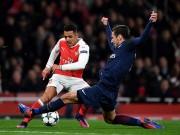 MU mua Sanchez: Bất ngờ gặp khó vì bàn tay  Siêu cò