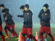 """U23 Việt Nam đấu Syria: HLV Park Hang Seo """"phát cáu"""" vì sân tập"""
