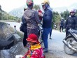 9 cô giáo tiểu học thành bà đỡ cho sản phụ vỡ ối bên đường