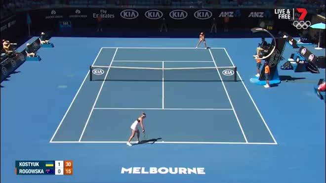 Trực tiếp Australian Open 17/1: Tài năng 15 tuổi gây bất ngờ, Simon chấn thương rớt đài