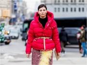 Kiểu áo khoác đẹp ngỡ ngàng khi mặc với váy