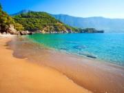 """Những bãi biển đẹp  """" thần sầu """"  nhất định phải đến trong năm 2018"""