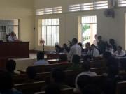 Mẹ bé gái bị dâm ô:  Con tôi tự tử vì quyết định không khởi tố vụ án
