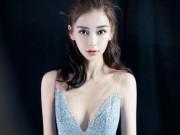 Bà xã Huỳnh Hiểu Minh diện váy hai dây sexy khoe ngực đầy