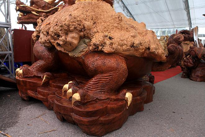 """Sở hữu gỗ lũa quý hình """"rùa hóa rồng"""", chủ nhân ra giá như 600 triệu - 2"""