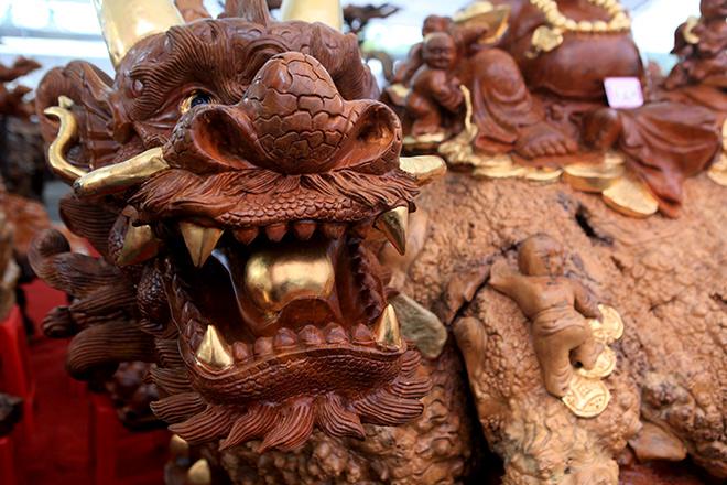 """Sở hữu gỗ lũa quý hình """"rùa hóa rồng"""", chủ nhân ra giá như 600 triệu - 3"""