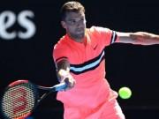 """Trực tiếp Australian Open 19/1:  """" Tiểu Federer """"  chặn đứng hiện tượng 20 tuổi"""