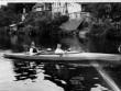Chèo thuyền kayak qua hơn 10 quốc gia để trốn Hitler