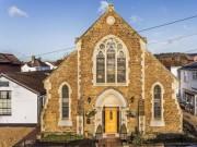 Biệt thự siêu sang được cải tạo từ nhà thờ cũ khiến giới nhà đất  sốt xình xịch