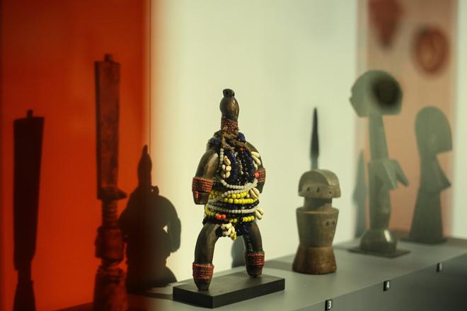 Ngắm loạt cổ vật cực quý của thế giới lần đầu xuất hiện tại Việt Nam - 1
