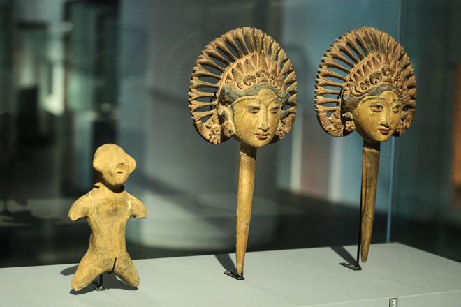 Ngắm loạt cổ vật cực quý của thế giới lần đầu xuất hiện tại Việt Nam - 14
