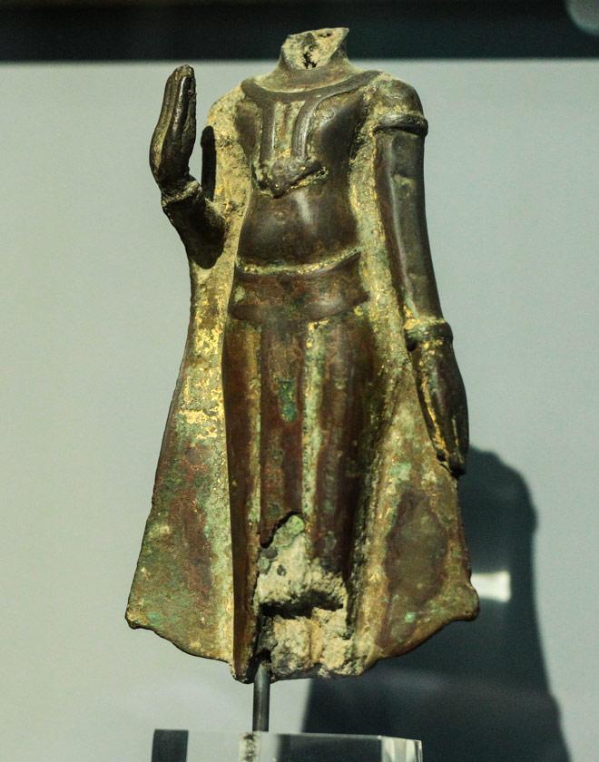 Ngắm loạt cổ vật cực quý của thế giới lần đầu xuất hiện tại Việt Nam - 16