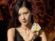 """""""Nữ thần bài"""" châu Á: Nữ sinh tuyệt đẹp kiếm tiền tỷ"""
