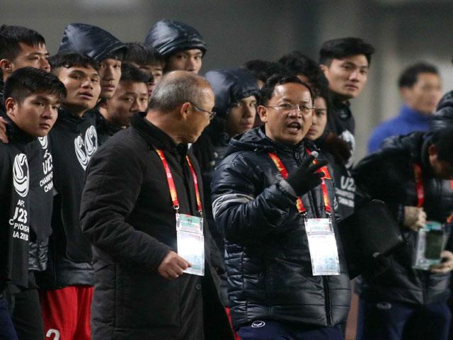 """U23 Việt Nam """"lên đồng"""": Bật mí """"liều doping"""" từ HLV Park Hang Seo"""
