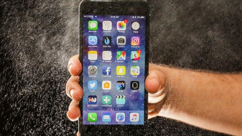 """Nhận biết dấu hiệu iPhone mực tàu bạn đang bị Apple """"hãm hại"""" - 2"""