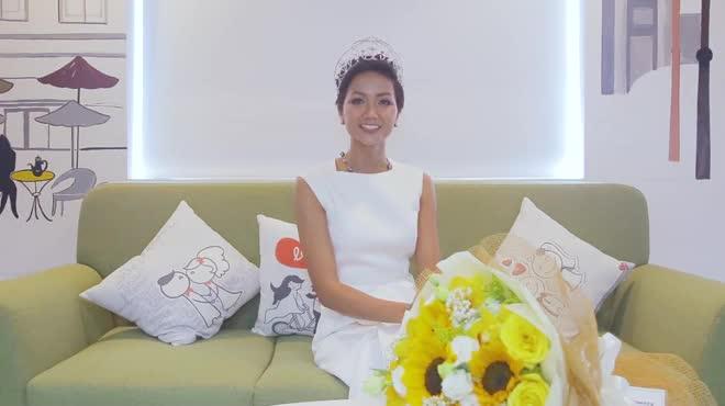 """Hoa hậu H'Hen Niê: """"Tiếng Anh là cản trở lớn nhất"""""""