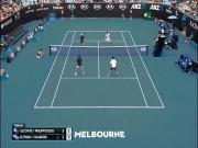 Kiệt tác Australian Open: SAO 41 tuổi lập siêu phẩm, xách ba lô chạy trốn