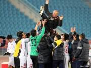 HLV Park Hang Seo nhắn fan Việt Nam mơ vô địch châu Á: Cứ bình tĩnh!
