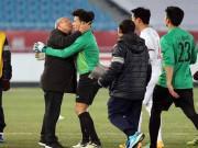 """U23 Việt Nam vỡ òa sung sướng, HLV Park Hang Seo lại  """" chạy trốn """""""