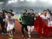 """U23 Qatar  """" sập bẫy """"  U23 Việt Nam: Đối thủ gọi Tiến Dũng là  """" người hùng dân tộc """""""