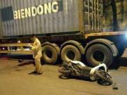 CĐV đi cổ vũ U23 Việt Nam tử vong do container cán