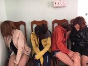Đột kích nhà nghỉ bắt nhóm đối tượng mua bán dâm