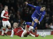 """Arsenal - Chelsea: Vé chung kết bị  """" tội đồ """"  xé nát"""