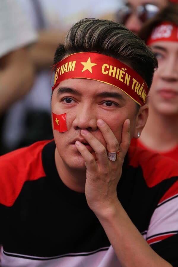 U23 Việt Nam vuột chẳngc quán quân và phản ứng bất ngờ của sao Việt - 3