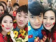 """Bạn trẻ - Cuộc sống - Ghen tị với cô gái được """"selfie"""" thân mật cùng Tiến Dũng, Xuân Trường"""