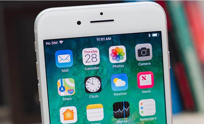 Apple còn phát triển đến bốn vốn dĩ mẫu ta iPhone đời tiếp theo - 1