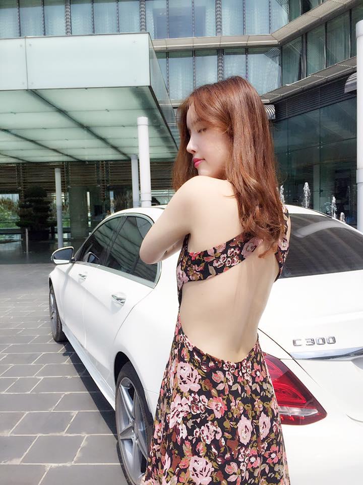 """Em gái Mai Phương Thúy có màn """"lột xác"""" xinh hơn hoa gây bất ngờ - 14"""