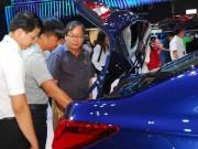 Thị trường - Tiêu dùng - Đủ chiêu 'móc túi' người mua ô tô dịp Tết