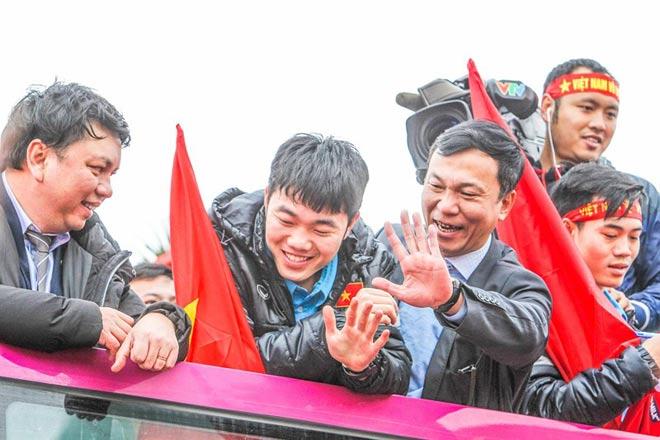Các tuyển thủ U-23 Việt Nam chia thưởng ra sao? - 2