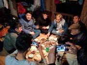 Tin tức trong ngày - Video: Đầm ấm bữa cơm quê nhà trên nhà sàn của anh em Tiến Dũng