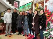 Tin tức trong ngày - Người hùng Quang Hải bất ngờ bắt taxi, về nhà trong lặng lẽ