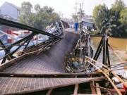 """Khắc phục """"thần tốc"""" cầu Long Kiểng sập do xe tải """"đè"""" ở Sài Gòn"""