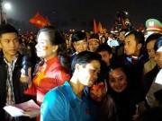 Bóng đá - U23 Việt Nam về quê: Vinh quy bái tổ, rạng rỡ người hùng