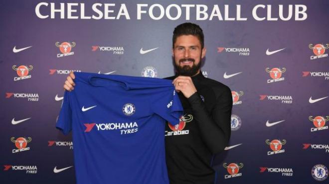 """""""Người dơi"""" Aubameyang đến Arsenal: Mặc áo huyền thoại, Chelsea có Giroud - 3"""