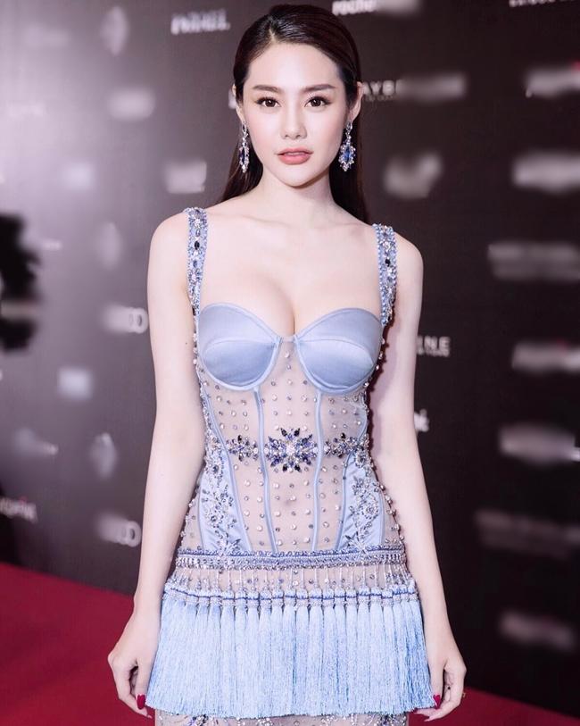 Ngay sau đó, nhiều trang tin của Trung Quốc như freewechat, zixundingzhi cũng đăng tải lại bài viết của 163.