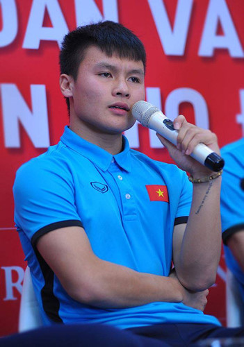 Bất ngờ với dòng chữ xăm trên tay trái Quang Hải đội U23 Việt Nam - 1