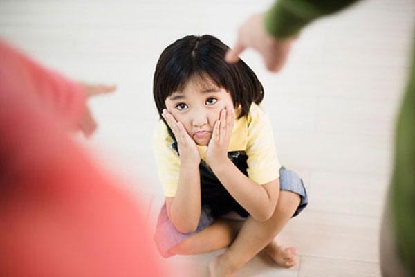 Những nguyên tắc kiểm soát hành vi xấu của trẻ - 1