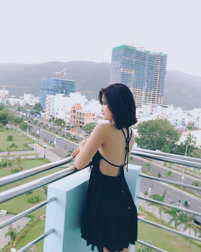 Bất ngờ về bạn gái đẹp như minh tinh của tiền vệ Huy Hùng - 11
