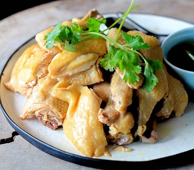 Thịt gà luộc - Món ăn người hùng Quang Hải mê tít, đánh bay được cả con - 1