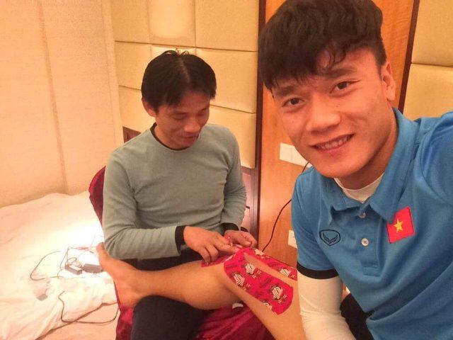"""Tiết lộ bất ngờ từ người chăm sóc các """"cầu thủ vàng"""" của U23 Việt Nam - 2"""