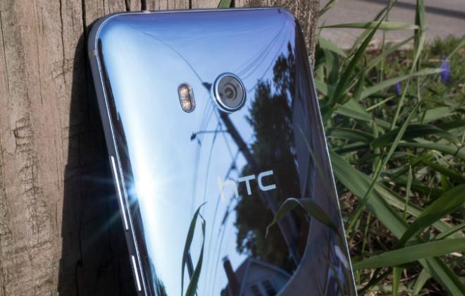 HTC U11 giảm hơn 2 triệu đồng, Galaxy S8 phải e dè - 1