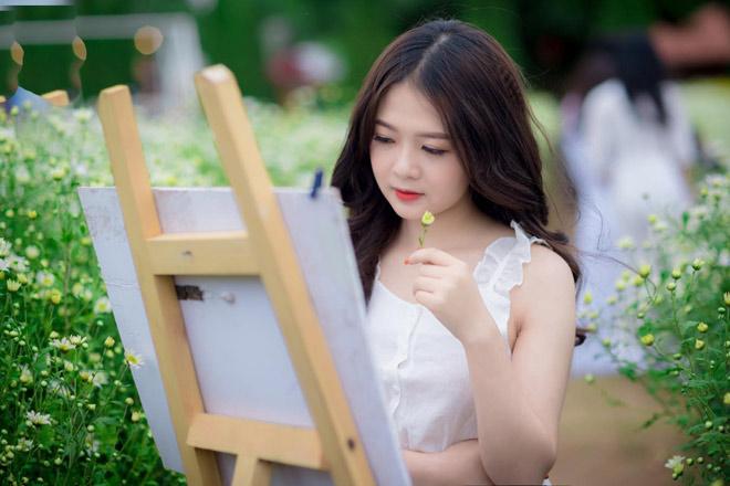 Đi xem U23 Việt Nam đá, cô gái trẻ bất ngờ nổi tiếng vì quá xinh - 7