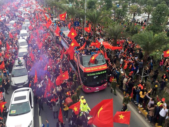 """Nóng 24h qua: 30.000 vé miễn phí cho CĐV Sài Gòn gặp """"soái ca"""" U23 Việt Nam - 1"""